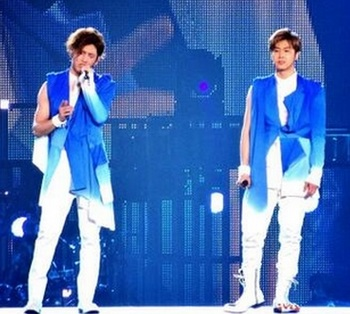 ユノとチャンミンのライブ.jpg